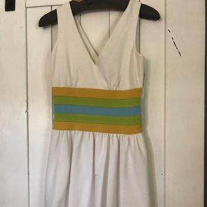 DVF size 0 white v neck dress